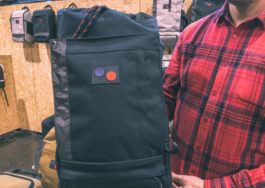 pinqponq backpack logo design